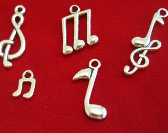 "10pc ""music note"" charms in antique silver style (BC299)"