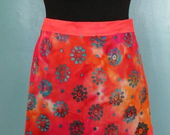 Women's reversible half apron with ruffle edge