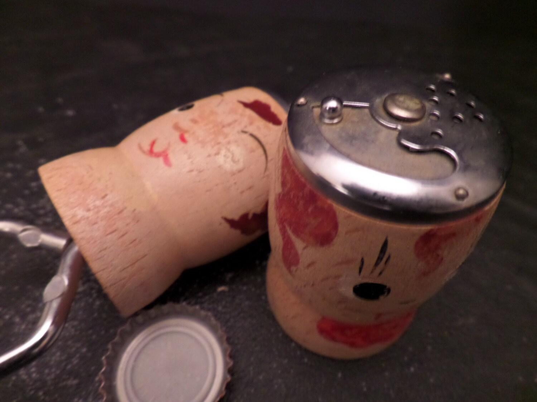 Vintage Wooden Funny Face Salt And Pepper Shakers Bottle