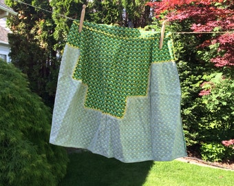 Vintage Green Cotton Print Waist Style Apron With Yellow Rick Rack