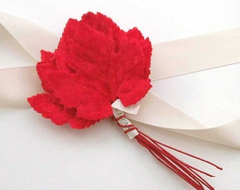 12 Vintage Millinery Leaves Red Velvet Millinery Flowers Red Velvet Leaf Millinery NOS Made in Japan Label Vintage Velvet Leaf New Old Stock