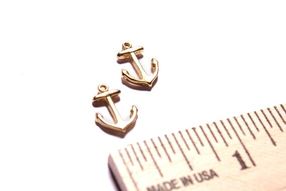 Anchor pendant, tiny anchor, dainty anchor, gold anchor pendants for jewelry designs.
