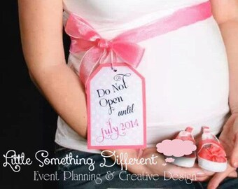 Maternity Photo Tag / Do Not Open Tag / Pregnancy Tag / Pregnancy Announcement Tag / Pregnancy Announcement Photo Prop