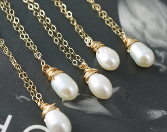 Bridal jewelry, SET of 11, Discounted gifts, Pearl necklaces, White pearls, Bridesmaids gifts, Bridal party favors