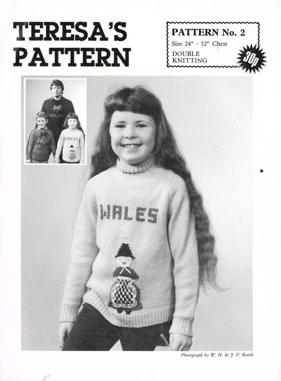 Knitting Patterns For Welsh Dolls : Welsh doll lady picture jumpers vintage knitting pattern PDF
