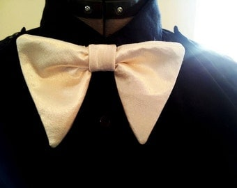 Retro Vintage 1970's oversized ivory satin bow tie + pocket square