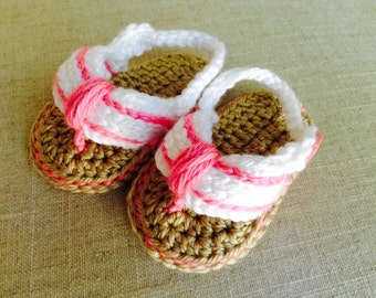 Crocheted baby sandals, baby flip flops, baby gift, baby accessory, photo prop, baby shower gift, crocheted flip flops