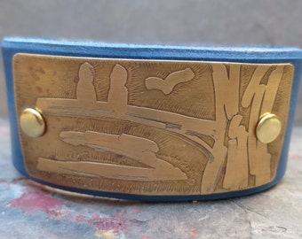 Leather Cuff with etched Birds - Etched Brass -   Leather Jewelry - Wrist Cuff –  Leather accessories