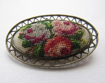 Vintage Art Déco brooch