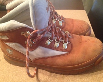 Vintage 70s Timberland boots. Women's 7.5 Men's 5.5. Amazing orangish and cream