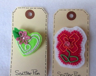 Sale....Paper Clip Jewelry  Set of Two Scatter Pins  Felt Pins