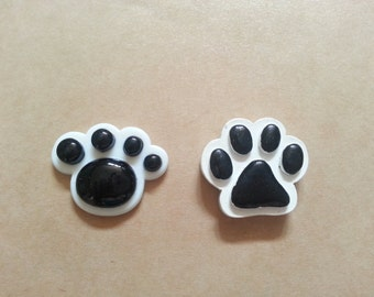 Kitty Paws and Puppy Paws Needle Minder