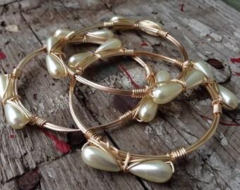 Pearl bow bangle