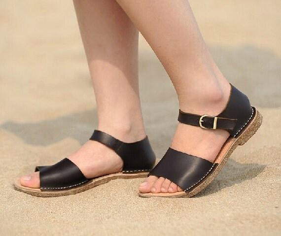من الاكسسواراتمجموعة زهير مراد للأزياء الراقية ربيع-صيف 2014.احذية منوعة راقيةتشكيلة