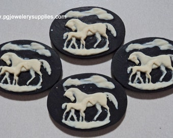 25mm x 18mm Horse with Foal cameo Ivory on black 4 pcs lot l
