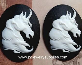 40x30 mythical goth unicorn cameos white black 2 pieces
