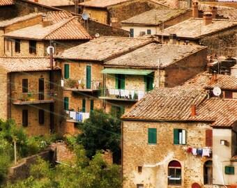 Tuscany, Italy, Tiled Rooftops, Laundry, Landscape