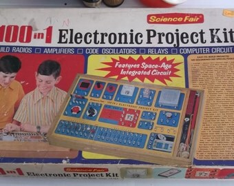 100 In 1 Electronic Project Kit   With Booklet from 1972