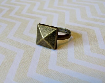 Bronze Pyramid Button Ring