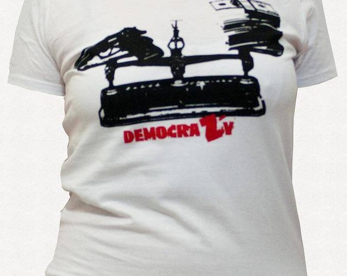 t-shirt Democrazy woman