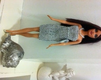 Hand knitted dolls dress to fit Barbie