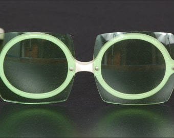 Vintage Sunglasses with Square Lenses and Round Frames