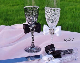 White and Black Wedding Glasses, Wedding Flutes, Toasting Flutes, Wedding Champagne Glasses, Bride and Groom Flutes, Personalized gift