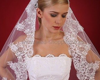 Long lace veil with wide lace White Ivory W1105 Waltz length lace veil with comb