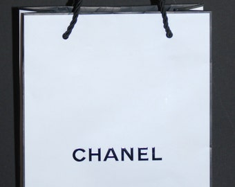 Lot of 4 Authentic CHANEL White Signature Shopping Bags Perfect for Crafting, party favors, etc. NEW