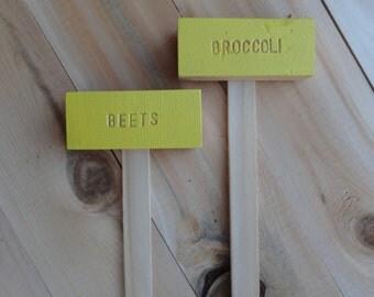 Cedar Wood Garden Plant Markers, Custom Pick, Vegetable Herb Garden Sign, Garden  Stakes