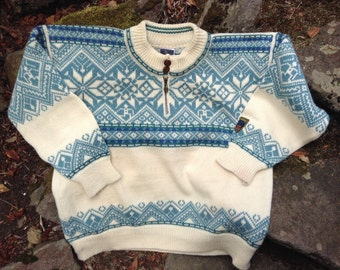 Dale of Norway, Unisex Norwegian wool sweater made in Norway-size M/L