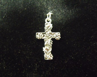 Sterling Silver Cross with Leaves Pendant  - .925  2.2 grams