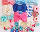 30 PCS Assorted Pink / Blue Cabochons and Rhinestones and Pearls Set - DIY Kawaii Bling Bling Cell Phone Deco Kit - 176