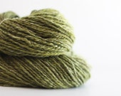 "DOUBLES:  Worsted weight handspun yarn. 309 yds. Hill Top Cloud Batt 70/15/15 merino/milk/shetland in ""Caesar Salad""."