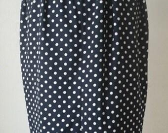 black and white polka dot pencil skirt.