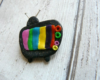 Television Brooch, Geeky Brooch, Retro TV Brooch, TV Jewelry Pin, TV Lover Gift