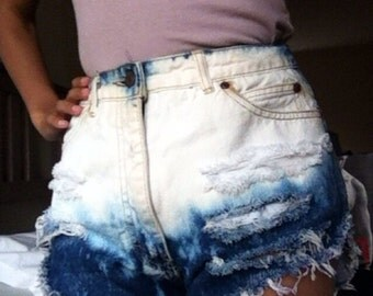 Half bleached destroyed high waisted shorts
