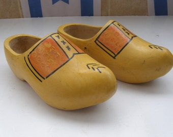 Vintage Marvelous 800gr Pair of Dutch Wooden Shoes, size 36