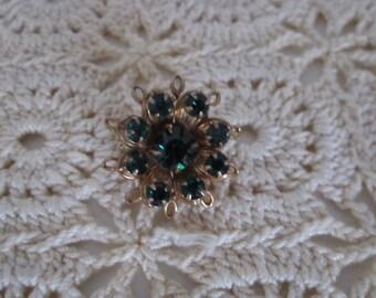 Beautiful Vintage Green Rhinestone Brooch