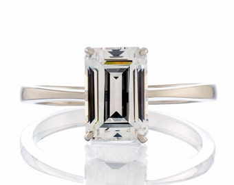 Emerald Cut 5A Cubic Zirconia Solitaire Engagement Ring in .925 Sterling Silver Ring