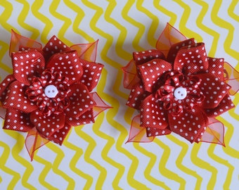 2 × Cute Roses Clips, Red Floral Hair Accessories with Kanzashi Flowers