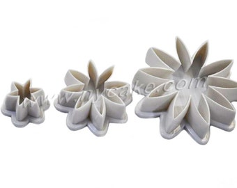 8 Petal Daisy Plastic Cutter Set Of 3
