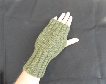 Green Khaki 100% fine wool mitts