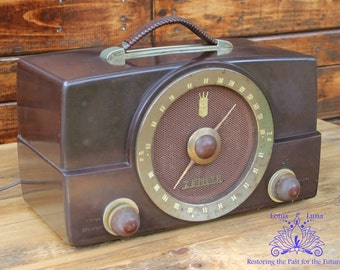 Vintage 1950's Zenith K Series Model H725 Bakelite AM & FM Tube Radio