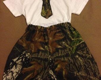 Custom made boys/toddler/infant camo short/tie outfit.