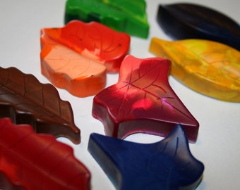 Set of 8 Colorful Leaf Crayons