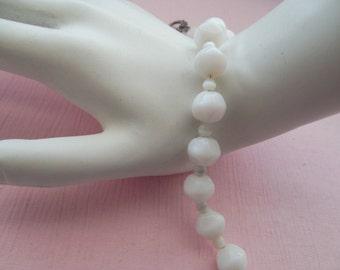 Vintage White Milk Glass Bead Bracelet 332