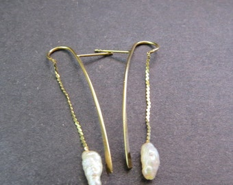 14kt Gold Pearl Dangle Pierced Earrings Vintage