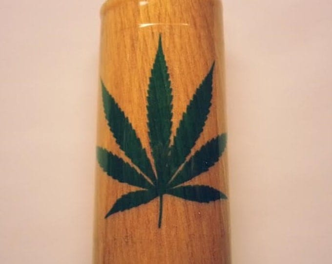 Marijuana Leaf Lighter Case, Weed, Marijuana, Ganja, Hemp, Lighter Holder, Lighter Sleeve