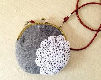 Gray  hook flower  Vintage style Metal frame purse/coin purse / handbag /Pouch/clutch/tote bag/ Kiss lock frame bag